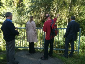 Tyne Catchment Partnership members on Blaydon Burn site visit